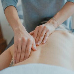 masaje con manos